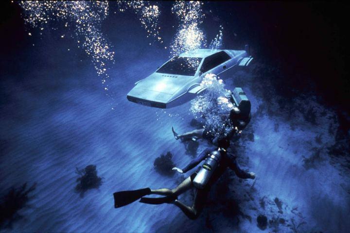Lotus Esprit Submarine Car, The Spy Who Loved Me | Top 10 Bond Movie Gadgets  | TIME.com