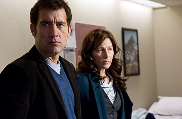 Clive Owen and Catherine Keener in Trust