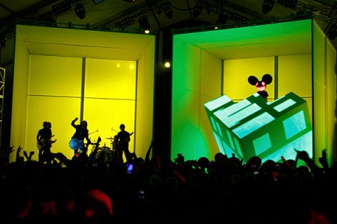 Deadmau5, Foo Fighters, Grammys 2012