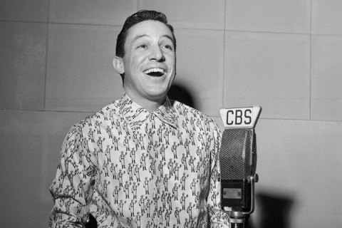 Mike Wallace and CBS radio On a Sunday Afternoon, 1954