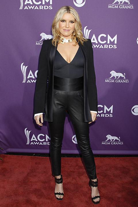 Worst: Sara Evans | 2012 ACM Awards: The Best and Worst
