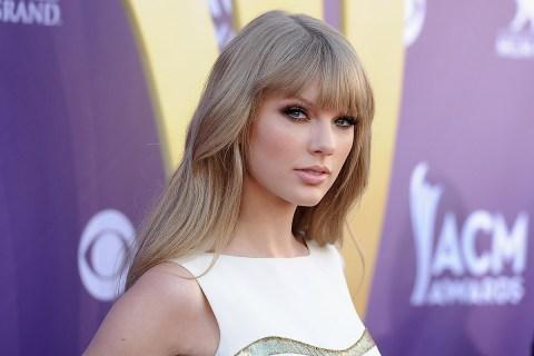 Taylor Swift Horizontal