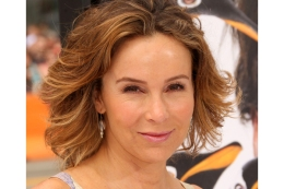 "Actress Jennifer Grey attends the Premiere of 20th Century Fox's ""Mr. Popper's Penguins"" at Grauman's Chinese Theatre on June 12, 2011 in Los Angeles, California."