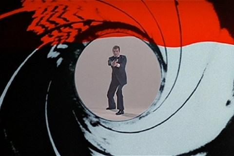 50-Bond-Gun-Barrel-22