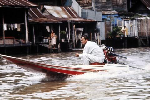 50-Bond-James-Bond-Island-11