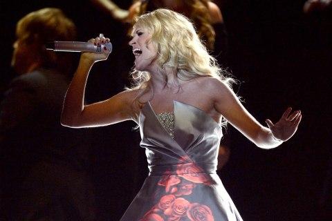 Grammy Performance - Carrie Underwood
