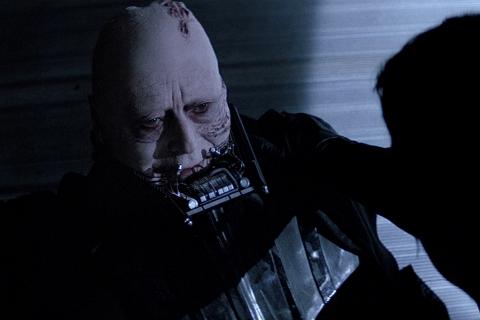 Populist - Return of the Jedi - Darth Vader Unmasked