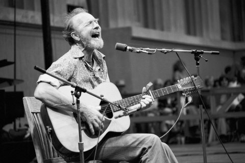Pete Seeger performs at the Bread and Roses III benefit concert, in Berkeley, Calif., on Oct. 5, 1979.