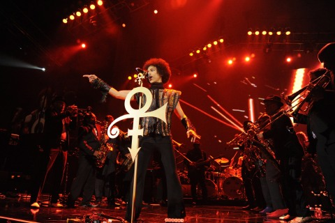 Prince Performs at Mohegan Sun