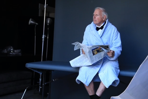 Bruce-Dern-photo-shoot-bathrobe